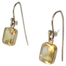 10 kt Sunshine Rectangular Citrine Dangle Earrings