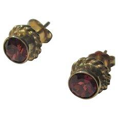 14 kt Yellow Gold Vibrant Orange-Red Garnet Stud Earrings