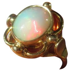 10 kt Yellow Gold Fiery Opal Ladies Ring