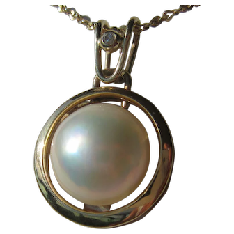 14 kt Yellow Gold Mabe Pearl and Diamond Pendant