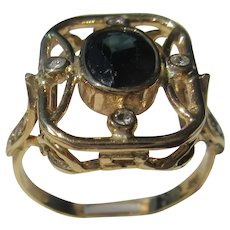 9 kt Yellow Gold Oval Green Tourmaline and Diamond Ring