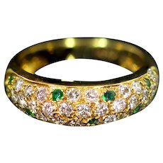 18 Karat Gold Ring with Emerald and Diamond