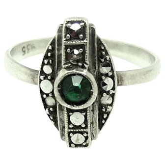 Vintage Emerald Glass Geometric Silver Marcasite Ring