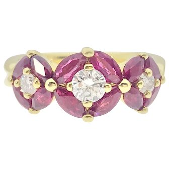 Stunning 18ky Ruby and Diamond Ring