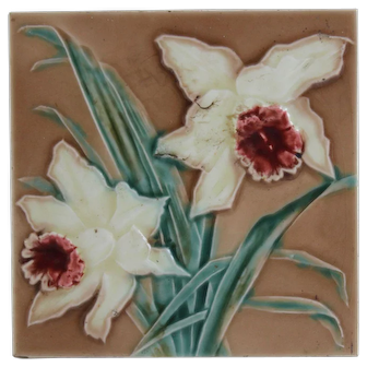 Sherwin patent English majolica tile of daffodils