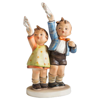 Early 20th Century Hummel figurine Auf Wiedersehen #153 Excellent Condition - From Family Estate