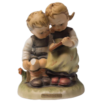 Early 20th Century Hummel Figurine -  Smart Sister #346 Good condition - From Family Estate