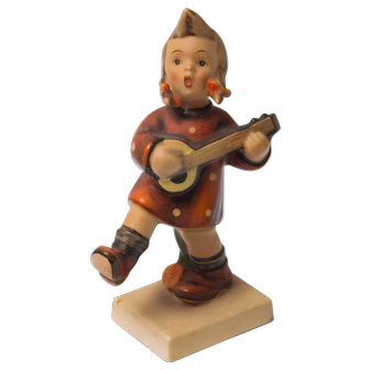 Early 20th Century Hummel Figurine -  Happiness #86 Excellent condition - From Family Estate