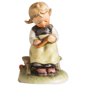Early 20th Century Hummel Figurine -  Busy Student #367 Excellent condition - From Family Estate