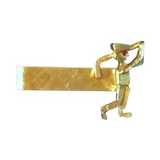 Vintage c1950s 14 Karat Yellow Gold Man Golfing Tie Bar Clasp – Classic Golf Knickers and Ben Hogan Style Golf Cap – Ruby Eye