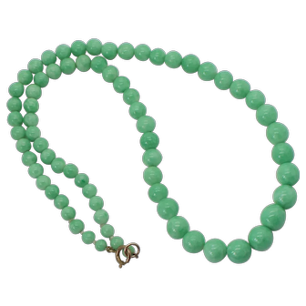 1970s Long Glass Graduated Bead Necklace in Light Green