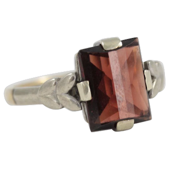 Art Deco 9ct Gold Ring with Rectangle Faceted Garnet Cabochon