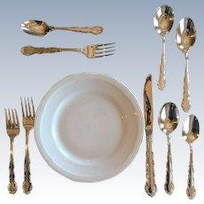 Vintage Oneida Silver Plate Flirtation Pattern Knives