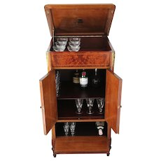 Arte Deco Antique, Gramophone Burr Walnut Cabinet transformed into Bar Cabinet
