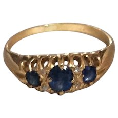 Beautiful Antique Edwardian (1910) Sapphire & Diamonds 18k Yellow Gold Ring
