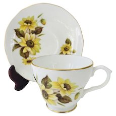 Duchess Burnaby tea cup and saucer, Sunflowers, Yellow flowers, Pattern 435