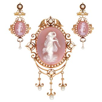 18k Yellow Gold Hardstone Agate Cameo and Natural Pearl Brooch and Earrings Set
