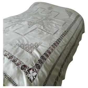 Snow white Irish linen bedspread with Tenerife needlelace and drawnthread work