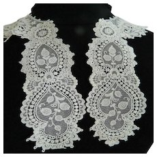 White Schiffli lace collar & cuffs