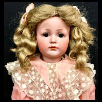 ORIGINAL MEIN LIEBLING Doll - Closed Mouth K*R Antique Simon Halbig 117/a 117A 117 - Kammer & Reinhardt S&H Bisque Head German Mien