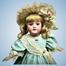 "20"" Heinrich Handwerck 119 - from the MARY ANN HALL COLLECTION - Antique Bisque Socket Head German Doll"