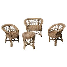 Beautiful  set furniture of straw  for dollhouses