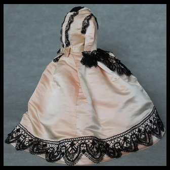 Beautiful dress and cape for  Fashion doll  17-18 inches