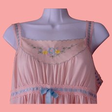 Long Nylon Night Gown Pink Gossard Artemis Maxi Length  Floral Embroidery Ribbon Trim