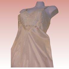 Full Slip Nylon Cream Lace Vintage Adonna USA