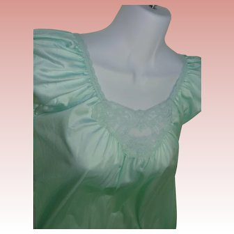 Minty Green Nightgown 100% Nylon Lacy LORRAINE