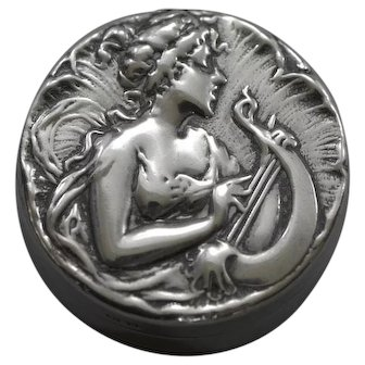 Art Nouveau Box Renolds & Westwood Sterling Silver Woman Playing Lyre 1901 Gilt