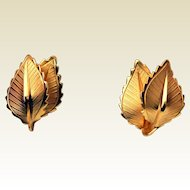 Vintage Giovanni Double Leaf Gold Tone Earrings