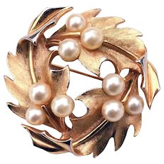 Crown Trifari Holly Leaf & Berry Faux Pearl Wreath Pin
