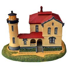Danbury Mint Replica Admiralty Head Lighthouse Washington