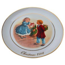 Avon 1984 Christmas Plate Celebrating the Joy of Giving 22KG
