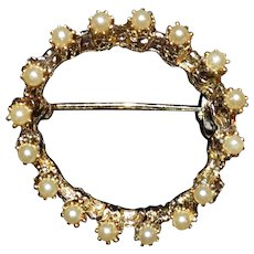 Vintage Faux Pearl Circle PIn Brooch