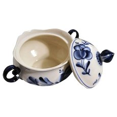 Russian Gzhel Bowl w/ Lid Blue & White Handcrafted Porcelain