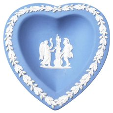 Wedgwood Heart Dish 4 1/2 inches