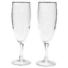 2 Classic Champagne Clear Glasses Flutes