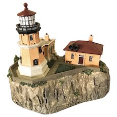 Split Rock Lighthouse Minnesota Danbury Mint Replica