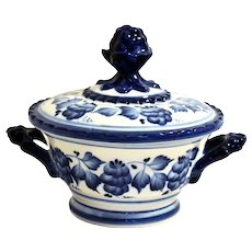 Gzhel Covered Bowl w/ Handles Blue & White Handcrafted Russian Porcelain