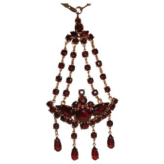 Art Deco Garnet Glass Waterfall Pendant Necklace Czech