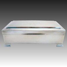 Large ART DECO Solid Sterling Silver Cigarette/Trinket/Jewelry Box Case Casket. English Birmingham Hallmarked. Early 20th-century.