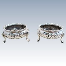 Pair of Victorian (1864) Solid Sterling Silver 143g English hallmarked Salt Cellars/Dishes. Robert Harper. Mid 19th-Century.