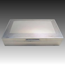High Quality 20th-Century Solid Sterling Silver Vintage Cigarette Cigar Trinket Jewelry Casket Case Box. Art Deco pattern.