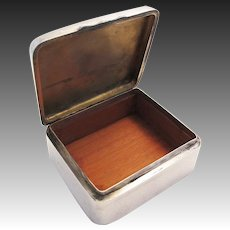 ANTIQUE Victorian (1901) Solid Sterling Silver Cigarette Cigar Trinket Jewelry Casket Case Box. Chester-William Neale.