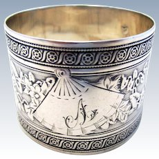 Beautiful Antique French (c1890) Solid Sterling Silver 950 Hallmarked Serviette NAPKIN RING. 19th-century. GUILLOCHE Tumpet Vine.
