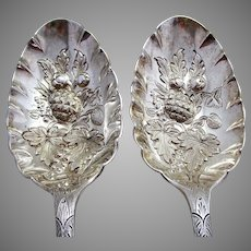 "Pair of 9"" Large 161g! ANTIQUE Solid Sterling Silver English Table Fruit Berry Serving Spoons. Edwardian 1905. Walker & Hall."