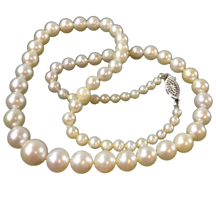 Vintage pearl necklace with beautiful gold pendant, 12 to 15 inches long