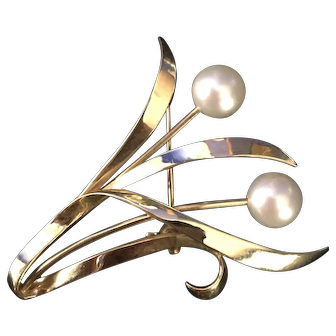 Mikimoto 14k yellow gold 6.5 mm round white pearl leaf flower vine brooch pin